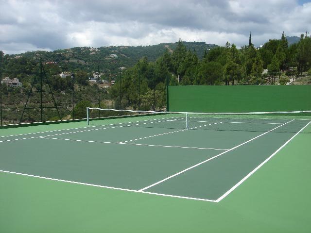 pavimento para pistas de tenis